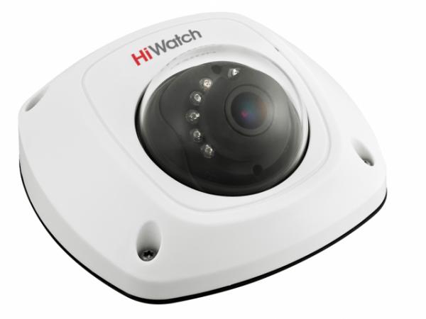 Компактная HD-TVI видеокамера HiWatch DS-T251 с ИК подсветкой и микрофоном